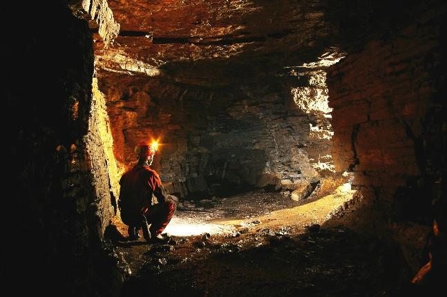 Explorez les catacombes de Saint-Léonard, à 30 minutes du centre-ville