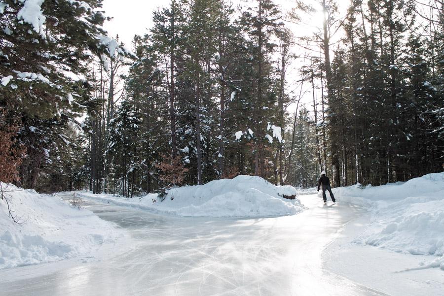 Une patinoire de 10km en pleine forêt ouvre ce samedi