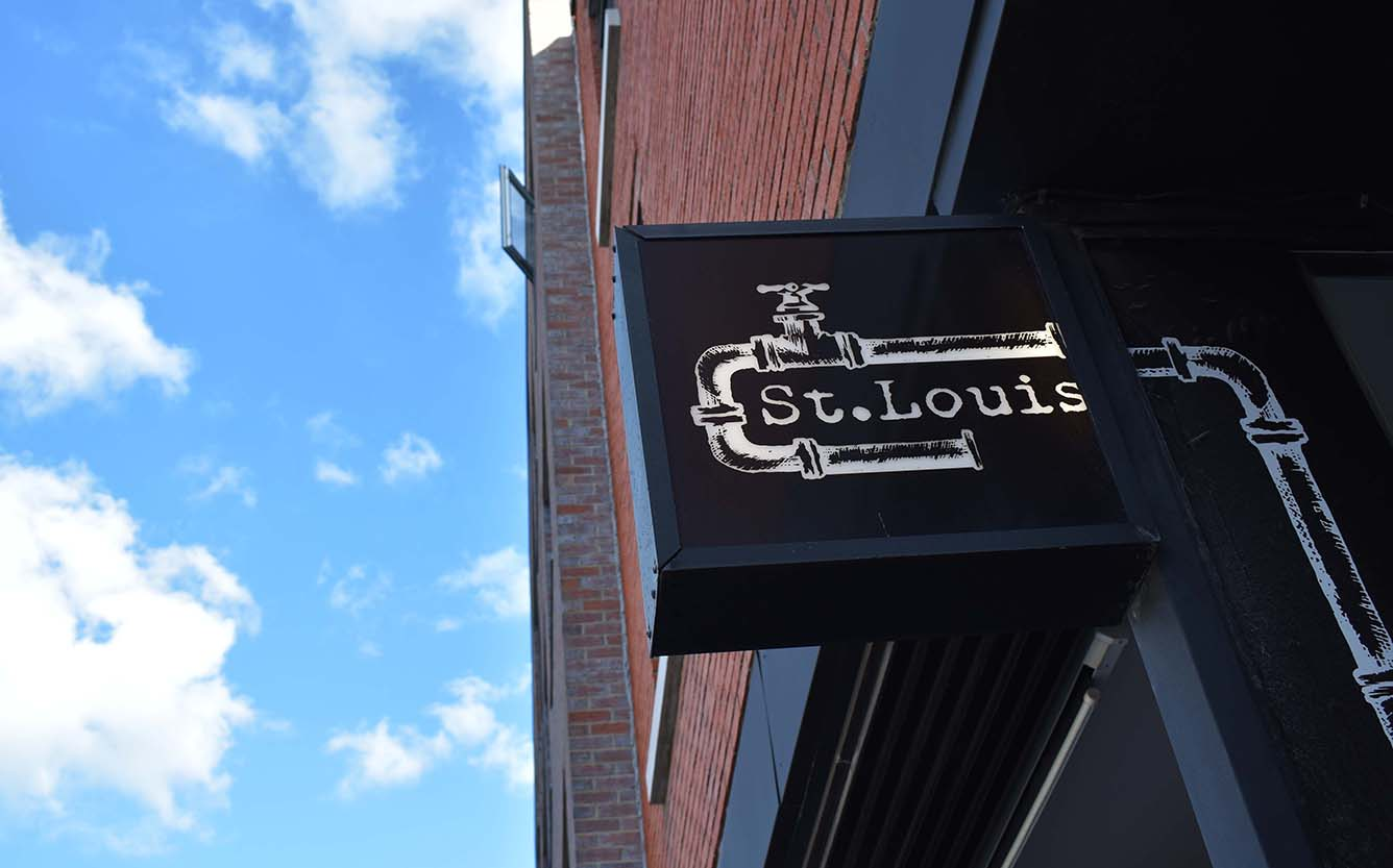 Besoin d'une pause ? On prend un verre au St. Louis Bar